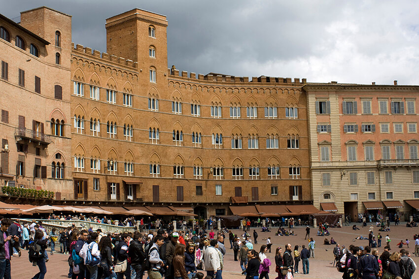 Main square in Siena, Il Campo