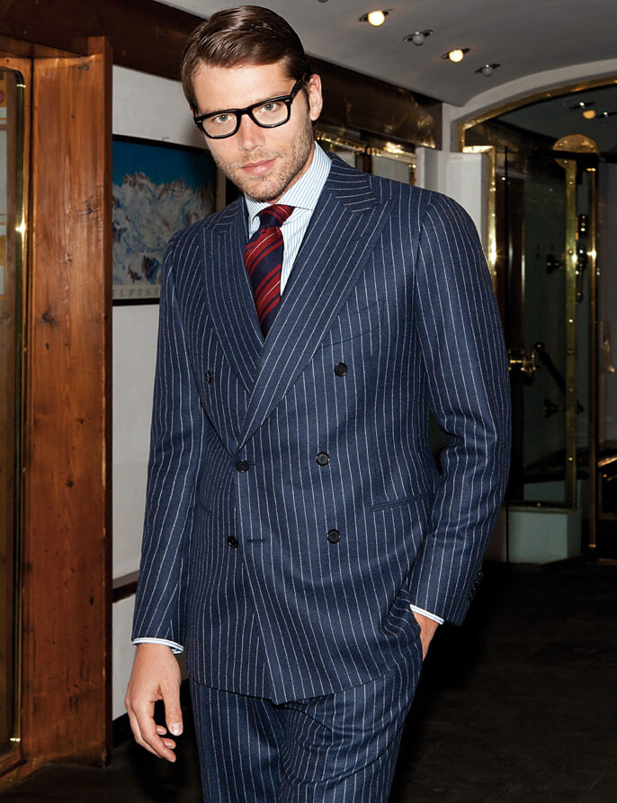 Men's style, pattern mixing.